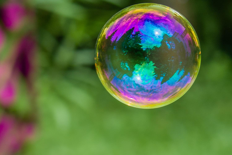 Fotos - Seifenblasen mit Spiegelungen