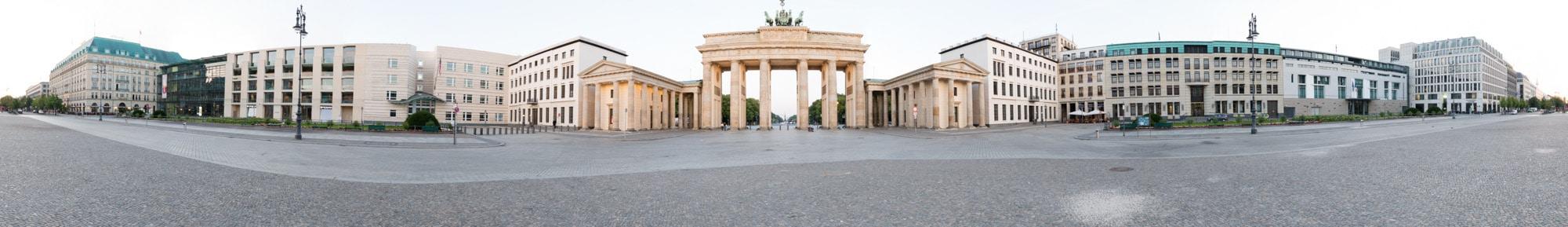 Panorama Brandenburger Tor fertig, (Foto copyright - Frank Weber - Berlin - www.fotologbuch.de)