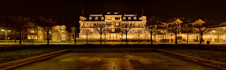 Romantikhotel Ahlbecker Hof - HDR Panorama abends, (Foto copyright - Frank Weber - Berlin - fotologbuch.de)