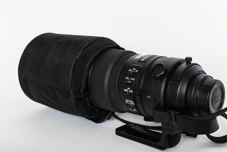 Nikon AF-S 300mm 2.8G VR2 mit Frontschutztasche, (Foto copyright - Frank Weber - Berlin - fotologbuch.de)