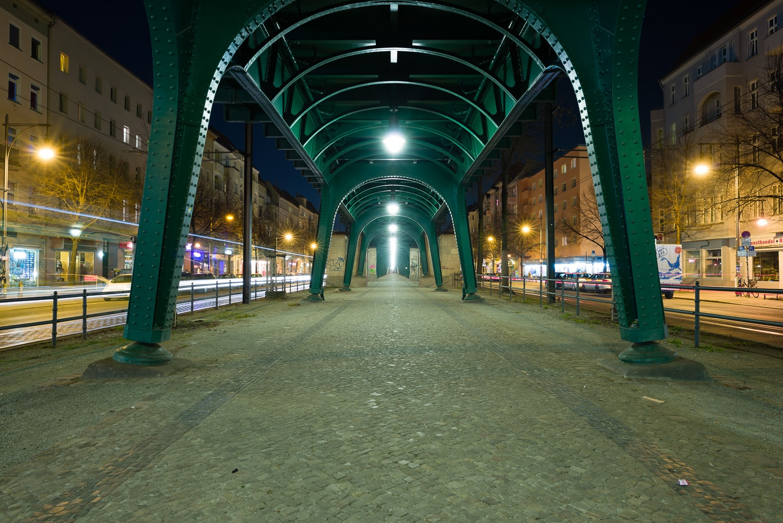 Nachtaufnahme mit Graufilter 4x, Zeit 52s, (Foto copyright - Frank Weber - Berlin - fotologbuch.de)