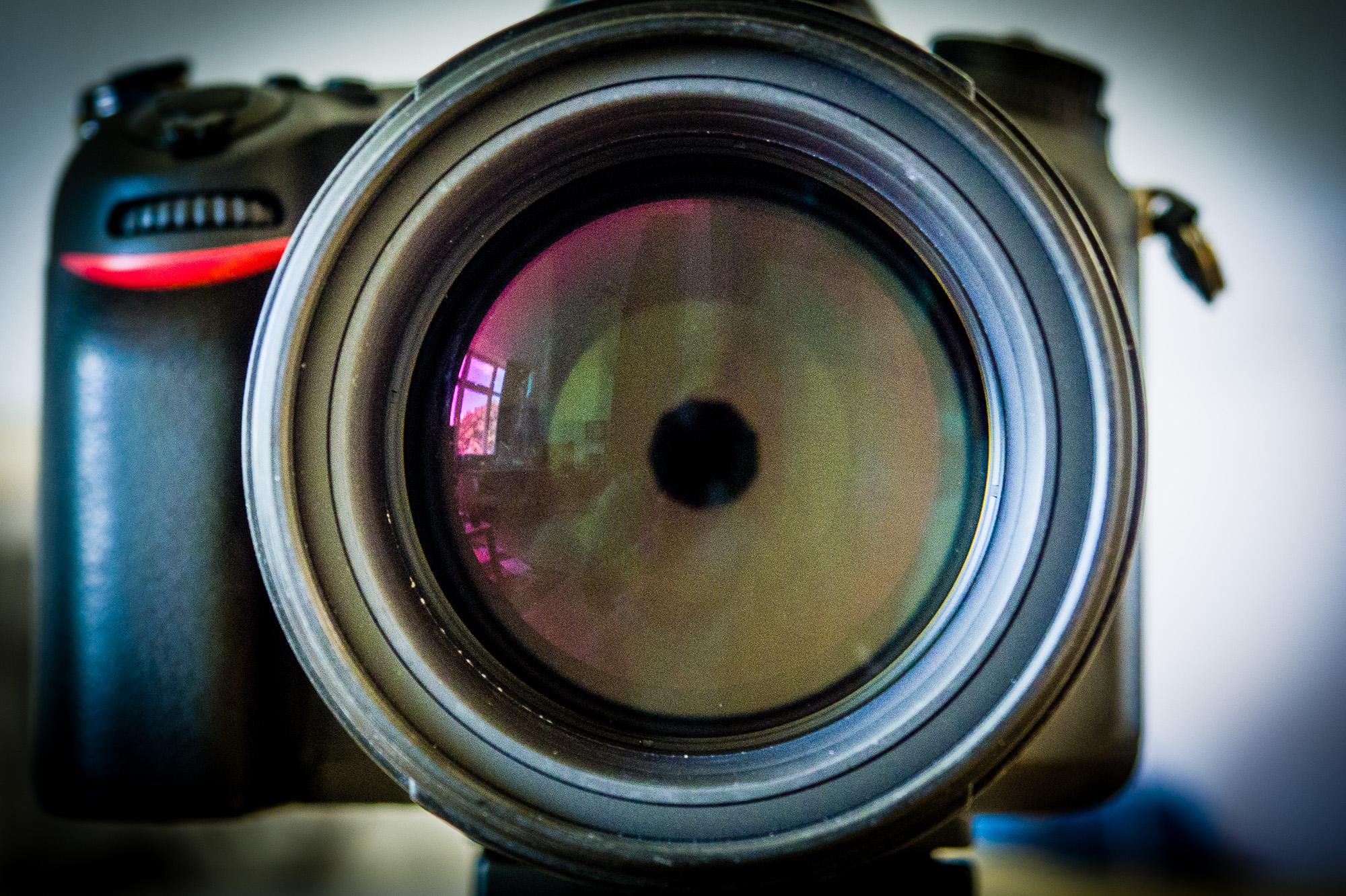Nikon 85mm mit Blende 6.3, (Foto copyright - Frank Weber - Berlin - fotologbuch.de)