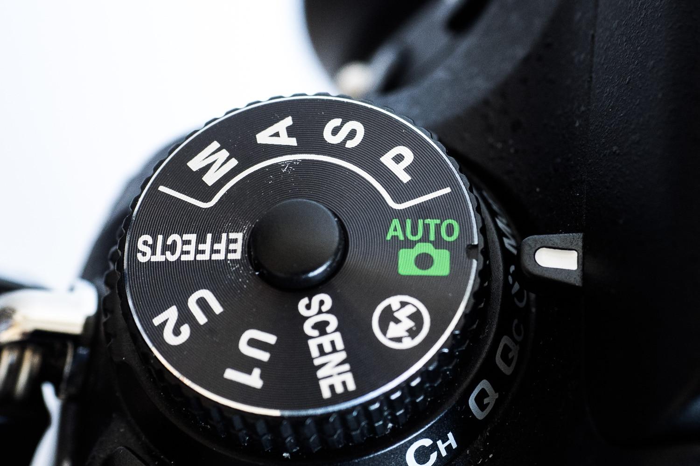 Betriebsartenwahlrad Nikon D750, (Foto copyright - Frank Weber - Berlin - fotologbuch.de)