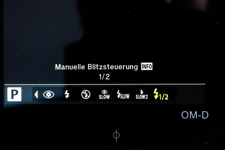 Modus Auswahl interner Blitz - Manuell, (Foto copyright - Frank Weber - Berlin - fotologbuch.de)