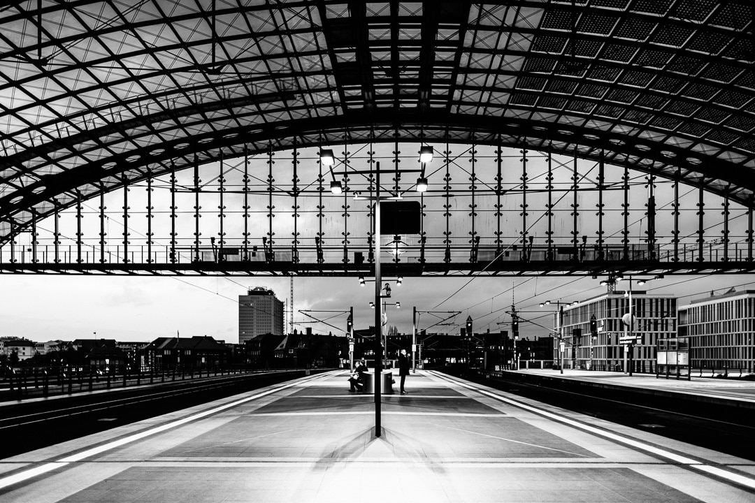 Nachts auf dem Berliner Hauptbahnhof, (Foto copyright - Frank Weber - Berlin - fotologbuch.de)
