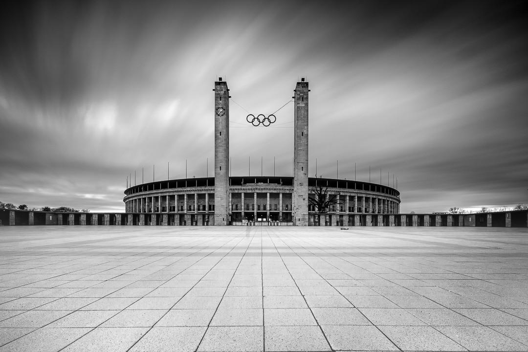 Das Berliner Olympiastadion - Langzeitbelichtung, (Foto copyright - Frank Weber - Berlin - fotologbuch.de)