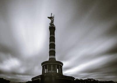 Berlin Großer Stern Siegessäule – Langzeitbelichtung in schwarzweiß