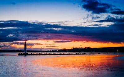 Farbenspiel zum Sonnenaufgang im Hafen von Stralsund, (Foto copyright - Frank Weber - Berlin - fotologbuch.de)