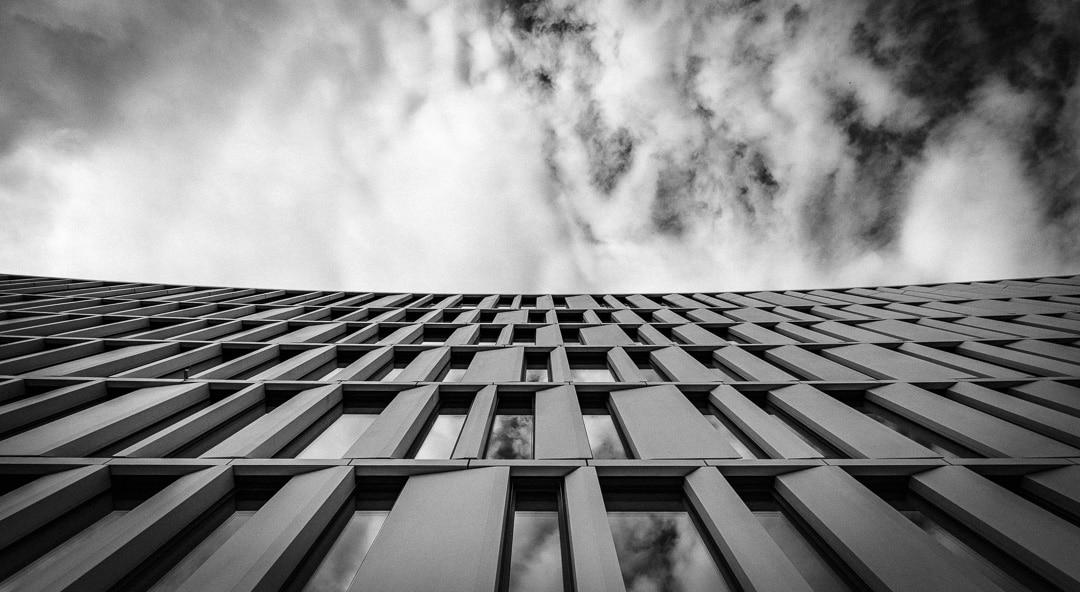 Fassade vom PricewaterhouseCoopers, (Foto copyright - Frank Weber - Berlin - fotologbuch.de)