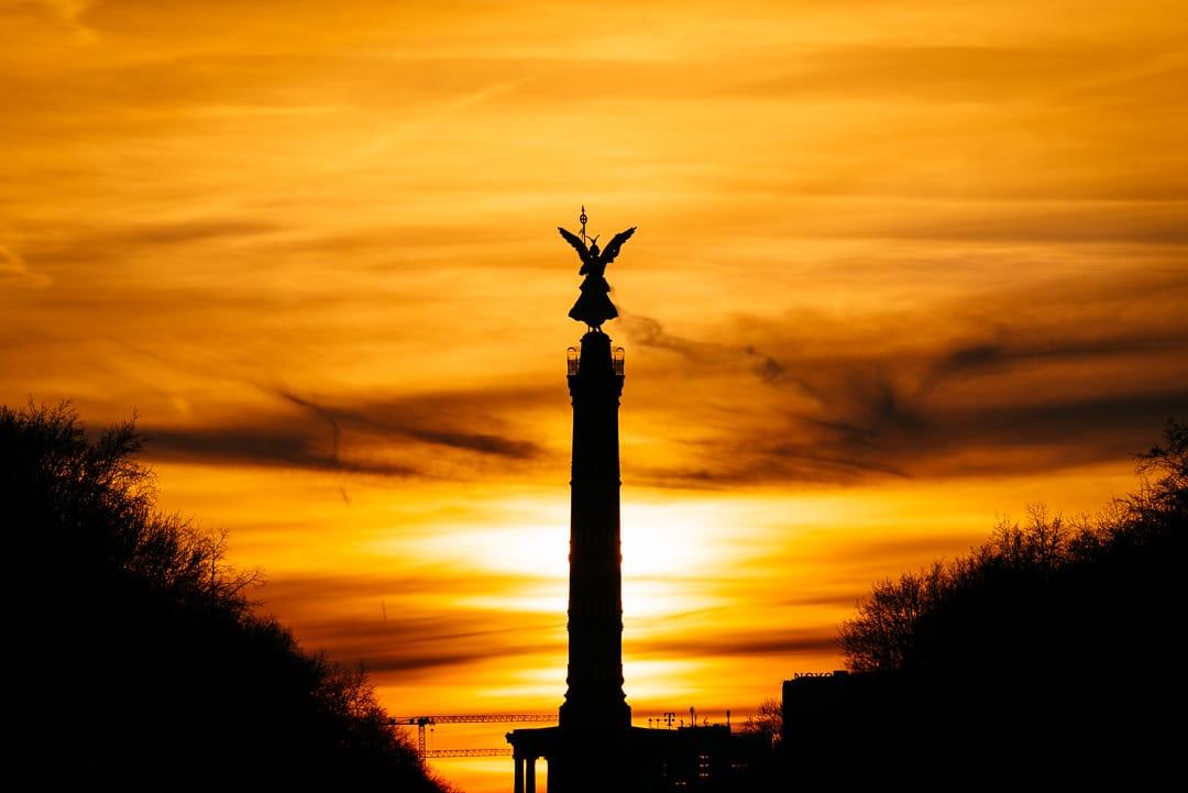 Berlin - Sonnenuntergang hinter der Siegessäule / Goldelse, (Foto copyright - Frank Weber - Berlin - fotologbuch.de)