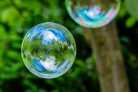 Fotos – Seifenblasen mit Spiegelungen