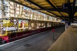 Beispielfoto Langzeitbelichtung - Berliner S-Bahn, (Foto copyright - Frank Weber - Berlin - fotologbuch.de)