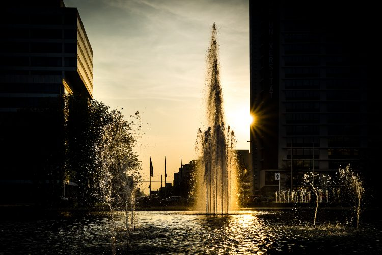 Abendstimmung am Ernst Reuter Platz in Berlin, (Foto copyright - Frank Weber - Berlin - fotologbuch.de)