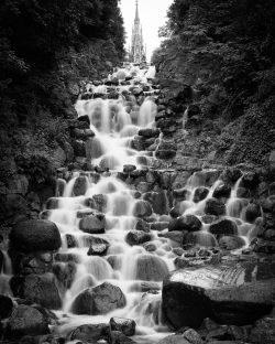 Test Wasserfall und Bewegungsunschärfe - Wasser Strukturen - Belichtungszeit hier 0,8s, (Foto copyright - Frank Weber - Berlin - fotologbuch.de)