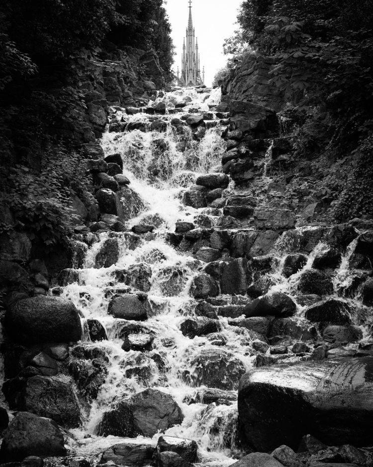 Test Wasserfall und Bewegungsunschärfe - Wasser Strukturen - Belichtungszeit hier 1/125s, (Foto copyright - Frank Weber - Berlin - fotologbuch.de)