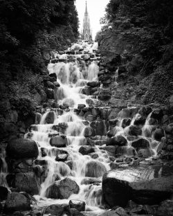 Test Wasserfall und Bewegungsunschärfe - Wasser Strukturen - Belichtungszeit hier 1/13s, (Foto copyright - Frank Weber - Berlin - fotologbuch.de)