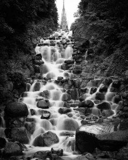 Test Wasserfall und Bewegungsunschärfe - Wasser Strukturen - Belichtungszeit hier 3s, (Foto copyright - Frank Weber - Berlin - fotologbuch.de)