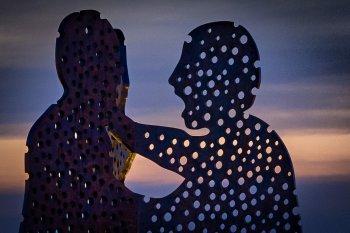 Hyperfokale Entfernung – Was ist das und wofür brauche ich es in der Fotografie - Beispielfoto 02 (Berlin Molecule Men) Crop 1:1 Vordergrund, (Foto copyright - Frank Weber - Berlin - fotologbuch.de)