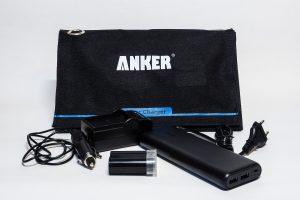 Nikon Akkus mobil laden, unterwegs mit Solarpanel und KFZ-Steckdose
