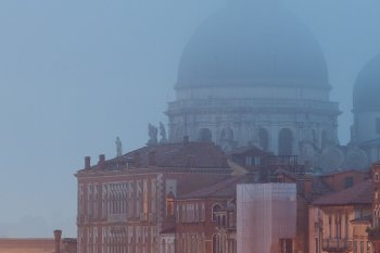 Hyperfokale Entfernung – Was ist das und wofür brauche ich es in der Fotografie - Beispielfoto 01 (crop 1:1 hinten) (Venedig) , (Foto copyright - Frank Weber - Berlin - fotologbuch.de)