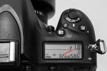 Einstellung Blende f1.8 - Anzeige im Display, (Foto copyright - Frank Weber - Berlin - fotologbuch.de)