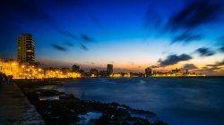 Havanna - Malecón in der Abenddämmerung, (Foto copyright - Frank Weber - Berlin - fotologbuch.de)